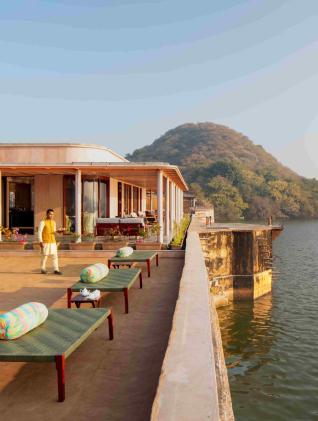 Raas Chhatrasagar: Relaxing by the Lakeside