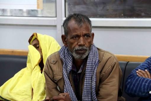 Kashmir Civilian Killings: Panicky Migrant Workers Start Leaving Valley