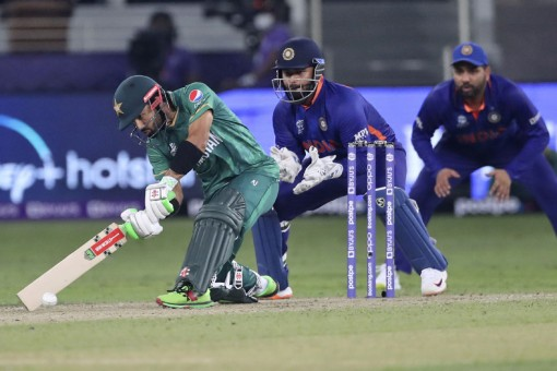 T20 WC LIVE: Pakistan Solid In Chase, Need 67 In 48 To Beat India