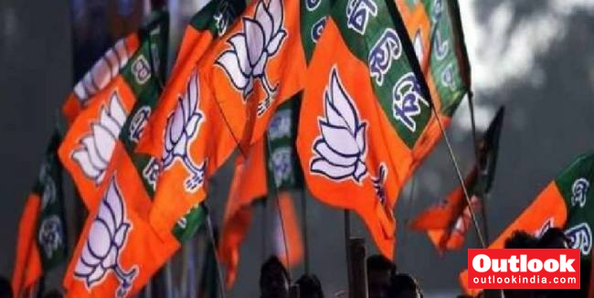 In Maharashtra, Haryana J'khand, BJP Likely To Fight Polls Under Incumbent CMs