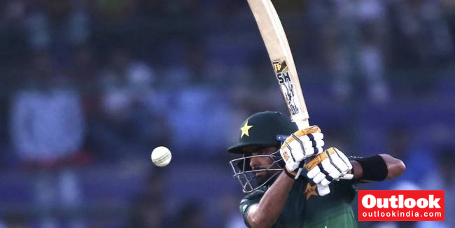 Pakistan Cricket Board Forbids Babar Azam From Selecting Shoaib Malik, Mohammad Hafeez In T20I Squad