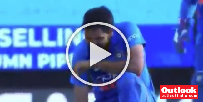 MUST WATCH: A Blinder Tops Up Bhuvneshwar Kumar's Love Affair With Port Of Spain