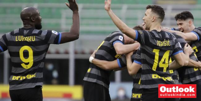Inter Milan 3-0 Genoa: Romelu Lukaku, Alexis Sanchez Keep Serie A Leaders On Course