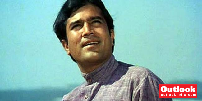 How Fans Who Wrote Love Letters In Blood Dumped Rajesh Khanna For Amitabh Bachchan