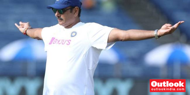 Well, That Ravi Shastri Pose Turns Out To Be 'Titanic' - And Fans Are Not Happy