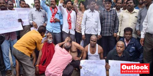 Telangana Transport Strike: After Court Raps Govt, KCR Asks Officials To Hold Talks With Employees