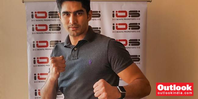 Vijender Singh Challenges Amir Khan, Tells British Boxer To 'Stop Fighting Children'