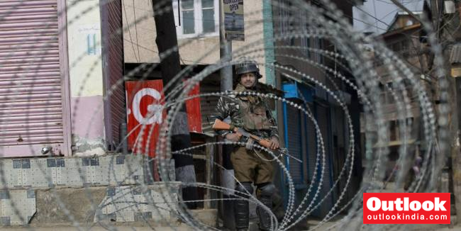 Panic In Kashmir After Deployment Of Additional Troops