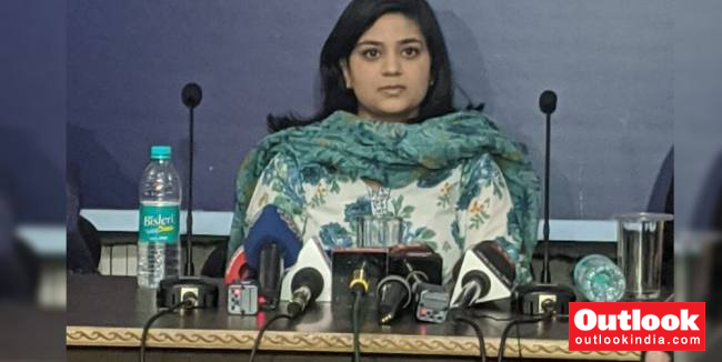Kashmir   'Don't Know If PM Modi Is Misled Or He Misleads Intentionally': Mehbooba Mufti's Daughter Iltija Mufti