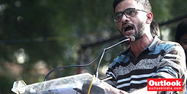 Delhi Riots: Police Allege Umar Not Cooperating; Court Prevents Him To Meet Family