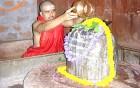 Ties of yore: Teknarayan performing puja
