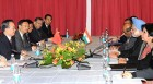 Manmohan Singh, Wen Jiabao speak at a meeting on the sidelines of the Copenhagen Conference