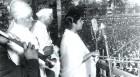 Lata Mangeshkar sings <i>Ai mere watan ke logon</i>, bringing Nehru to tears in 1963
