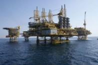 How Wall Street Is Killing Big Oil