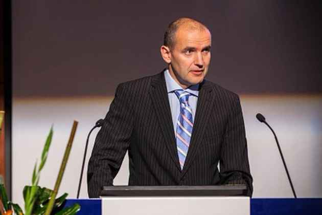 Iceland President Gudni Johannesson Faints, Breaks Nose In 'Too Hot' Bath