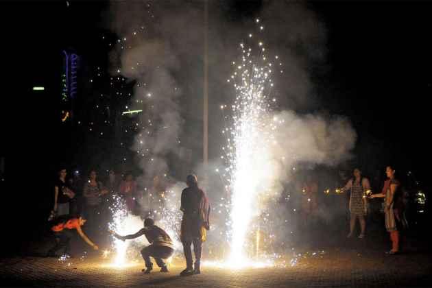Ahead Of Diwali, Air Quality In Delhi Reaches Hazardous Level
