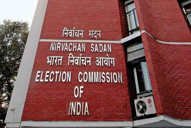 EC rubbishes Congress criticism over delay in Gujarat poll date announcement