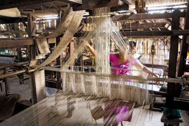 handloom industry Historically, sri lanka has traded textile with nations like india, china and middle eastern countries, and the handloom textile industry is one of the country's oldest traditional crafts.