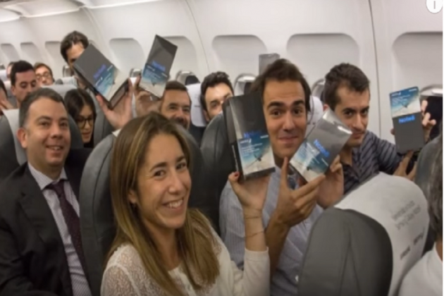Samsung Spain Distributes Free Galaxy Note 8 To All 200 Passengers Onboard Flight