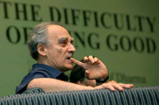 Demonetisation an 'idiotic jolt' to economy, GST badly implemented: Arun Shourie