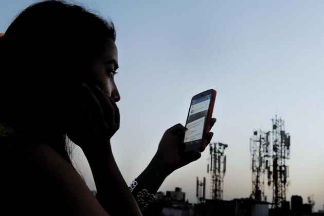 Reliance Jio's data speed increases by half as free services end
