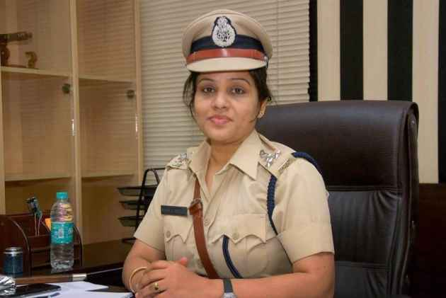 20 crore defamation case filed against DIG Roopa