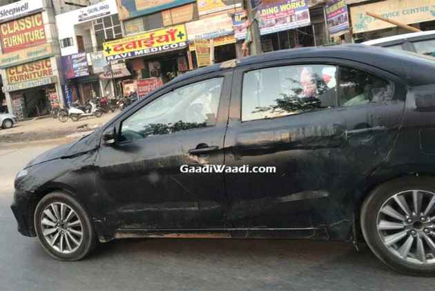 2018 Maruti Suzuki Ciaz Facelift Spotted Testing In India!