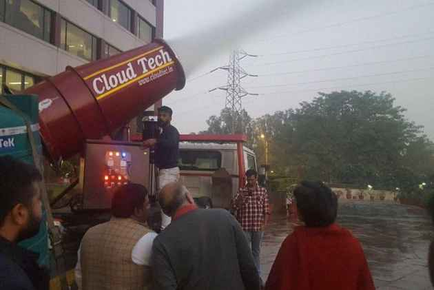 India tests anti-smog gun to bring down pollution levels