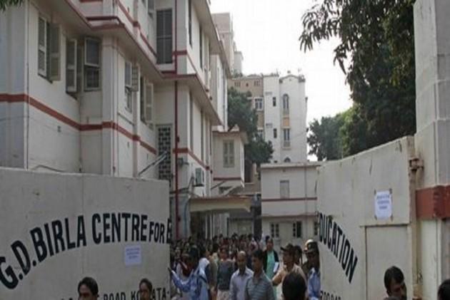 Kolkata child sexual assault: school suspends classes, parents agitate