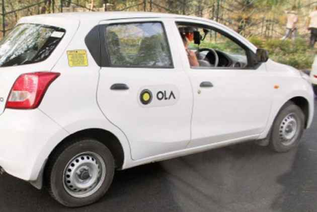 B'luru: Ola driver harasses woman, child locks cab; suspended