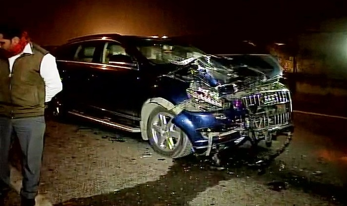 Car Crash Line