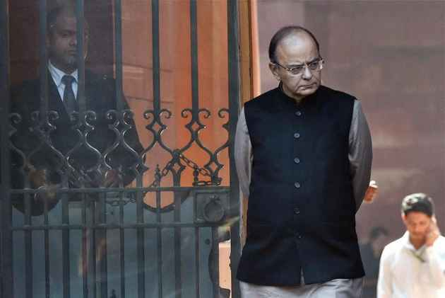 Jaitley files fresh Rs 10 cr defamation suit against Kejri