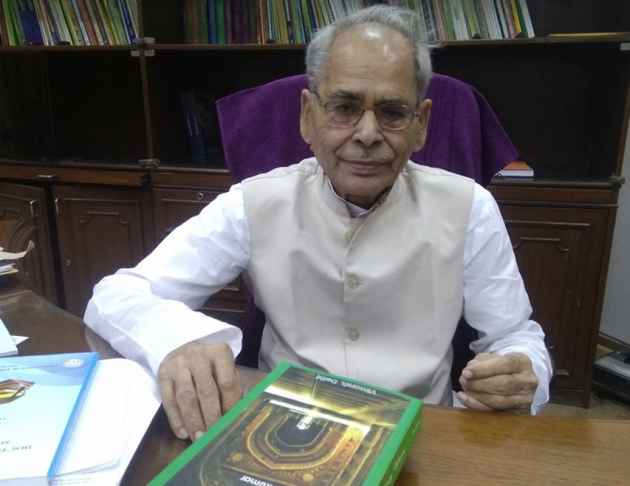 ICSSR Chief Wants To Scrap  'Hindu-Muslim Riots' Lesson From School Textooks