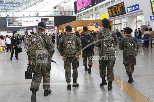 Homosexual Soldiers Arrested in South Korea: Report