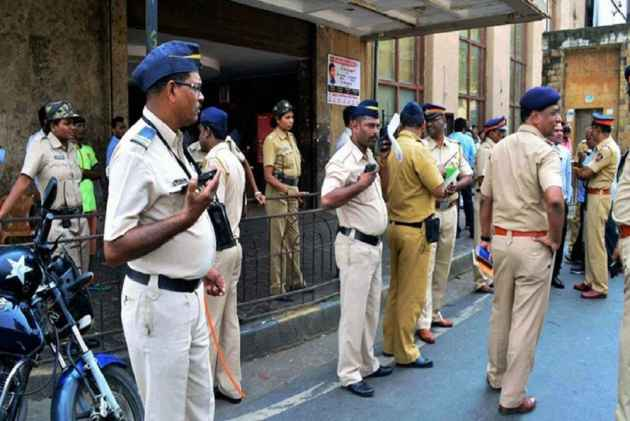ATS busts two illegal call centres in Maharashtra