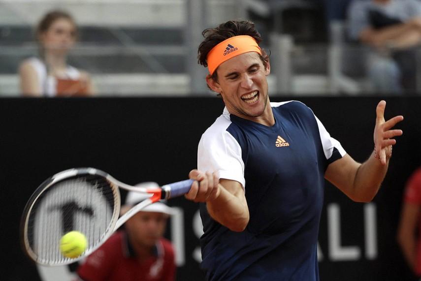 Play starts in women's quarterfinals in Paris