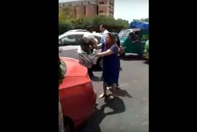 High-Handedness In Delhi: Traffic Police Watches, Woman Beats Up Truck Driver In Viral Video
