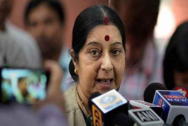Sushma Swaraj meets kin of 39 Indians missing in Iraq