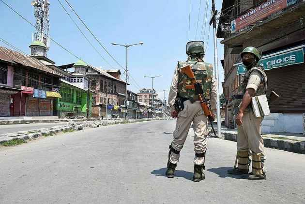 Army thrashes JKP cops: The police statement
