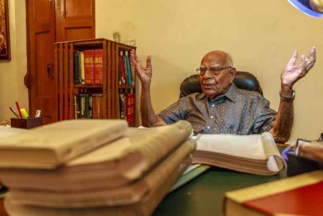Defamation case: Jethmalani quits as Kejriwal's counsel, seeks Rs 2-cr fee