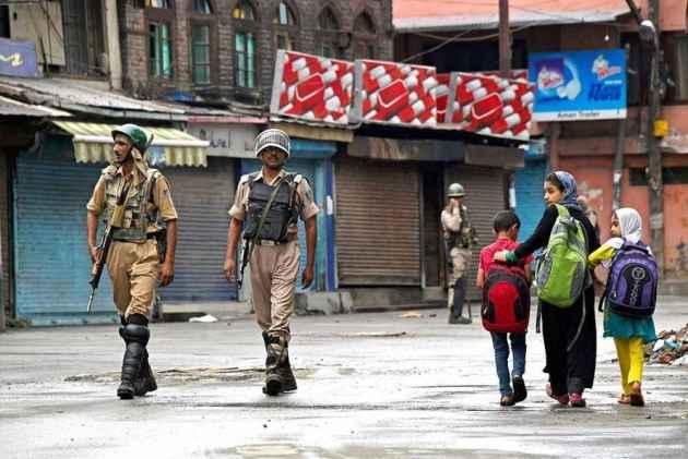 J&K: Encounter Underway In Shopian Between Forces And Militants