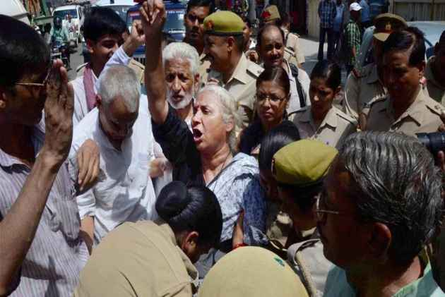 Patkar's health worsens on Day 12 of fast, government mum