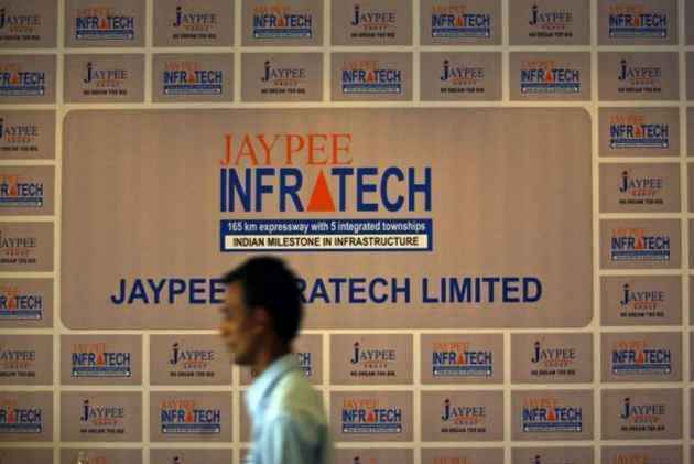 Supreme Court orders Jaypee Associates to deposit Rs 2000 crore