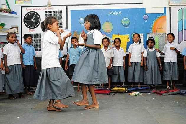 Despite Karnataka Government's Language Jingoism, Kannada Medium Schools Are Facing Extinction