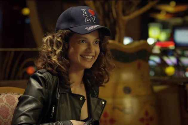 Kangana's <em>Simran</em> Sure Has Wings, But Does Not Manage To Fly