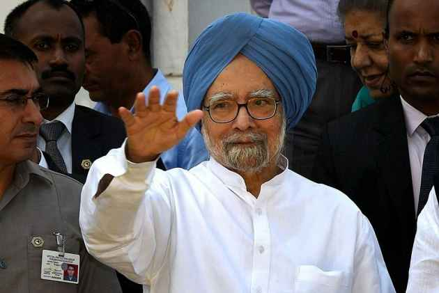 Manmohan Singh-led Congress delegation visits Jammu and Kashmir