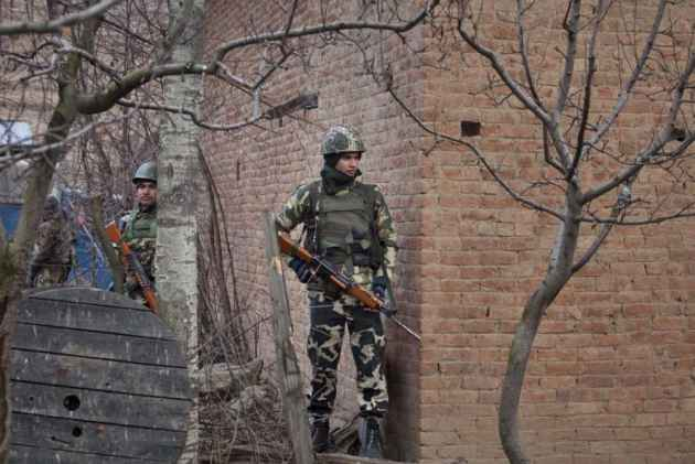JK: Pakistan Army violates ceasefire in Arnia Sector