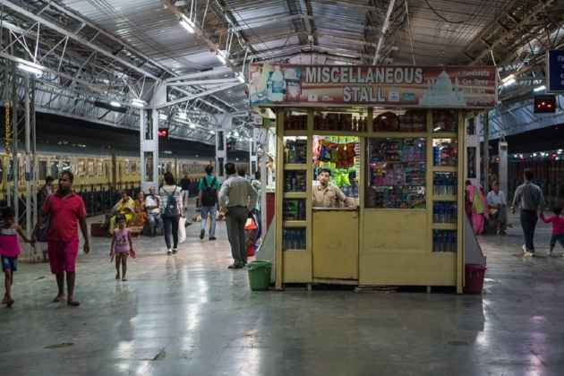 Books On Indian Culture, Morals Now 'Must' At Railway Platform Kiosks