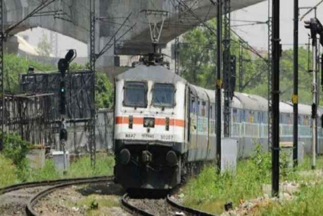 High-speed passenger train derails in Indian capital