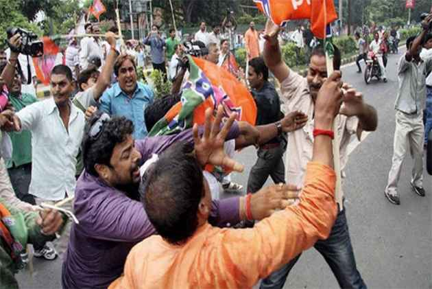 BJP, TMC workers clash in Kolkata; several injured
